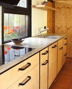 Küche mit Arbeitsplatte aus Birke mit Dierfurter Kalkstein! Kitchen Island, Design, Home Decor, Decorating Kitchen, Birch, Counter Top, Island Kitchen, Homemade Home Decor, Design Comics