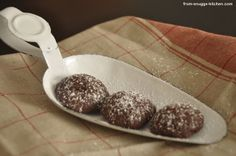 Schokoladen-Kardamom-Kugeln