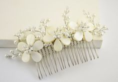 The beautiful hair comb is perfect for any occasion and would be a perfect centerpiece for your hair.