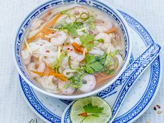 A soup with shrimp, vegetables, and rice sticks in a chicken broth. A hearty soup that& a meal in itself. Canada Food Guide, Asian Shrimp, Shrimp Soup, Cilantro Lime Rice, Mushroom And Onions, How To Cook Shrimp, Mets, Soup And Salad, Soups And Stews