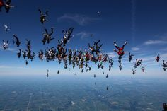 Snapshot: Skydiving Record Smash | Air & Space Magazine