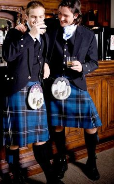 Buy Perfect Fit Top Quality Tartan Kilts in very Competitive Prices, Scottish Kilt Shop made each kilt exactly per given measurements and no mass production Scottish Man, Scottish Culture, Scottish Tartans, Men In Kilts, Kilt Men, Scotland Kilt, Scotland Trip, Tartan Kilt, Komplette Outfits