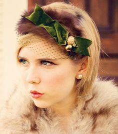 Birdcage veil. Bridal Headband. Vintage Veil. Wedding headpiece. Bridal Headpiece. Green and gold headpiece.