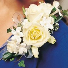 Learn how to make bridal bouquets, corsages, boutonnieres and centerpieces like a professional.  Buy discount bulk flowers and professional florist supplies.Use the corr