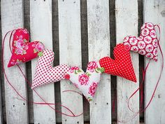 Garland/Bunting 5 Padded Hearts Bright Red/Pinks Spots/ Roses Chic & Shabby   eBay