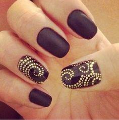 Purple & gold nails <3