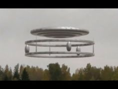 Best UFO sightings! Shocking UFO Video 2017 Monsters Vs Aliens, Aliens And Ufos, Ancient Aliens, Alien Videos, Ghost Videos, Alien Sightings, Ufo Sighting, Paranormal, Alien Ant Farm