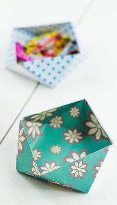 DIY Origami Aufbewahrungsbox basteln - ohne Kleber und mit nur einem Blatt Papier! Schöne Deko und Aufbewahrungsmöglichkeit für zahlreiche Kleinigkeiten ... Basteln mit Papier, DIY Geschenk