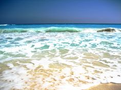 Where Beach and Ocean Collide - at The Ritz-Carlton, Cancun | photo by Allison Lerner