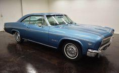 1966 Chevrolet Impala SS: avec 2 portes et de transmission automatique turbo 400, de couleur blanc à l´intérieur et bleu à l´ extérieur, de 6168 milles et d´un moteur V8 350 avec des roues de 14 pouces; Vin utilisé: 168376J282825 et les numéros ne sont pas assortis.  Ce vehicule est disponible à la vente, contactez nous sur: www.misterdeals.com / ou appelez-nous sur: 08-05-08-02-81 si ce vehicule vous interesse.   Nos prix sont: 16,499 euros.