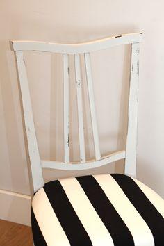 Silla recuperada, transformada artesanalmente hasta conseguir este aspecto desgastado. Pintada en color gris perla, está tapizada con tela de algodón en rayas blancas y negras. P.V.P 110€ Hacemos envíos a toda España.