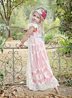 I want this in my size~ So pretty! If I'm blessed with a daughter then I want to make her a dress like this!