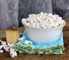 Healthy Parmesan Popcorn