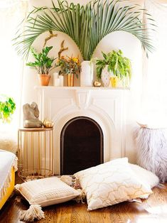 Summertime Home Styling: freshening up the fireplace — The Decorista Home Interior, Interior And Exterior, Interior Decorating, Interior Design, Decorating Ideas, Home Design, Interior Inspiration, Room Inspiration, Design Inspiration