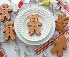 1-gingerbread-dough-video-tutorial-_-sweetopia