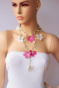 Collar de abalorios de venta, trabajo de Crochet del grano, joyería del collar del ganchillo, collar, collar del ganchillo / con granos