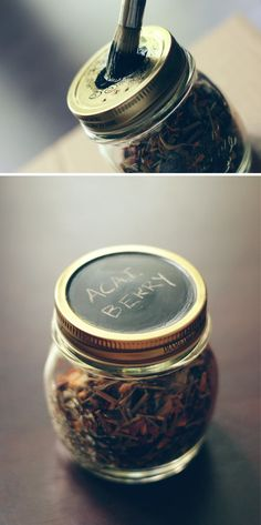 Writable, erasable storage for all your fave teas! #DIY #chalkboardpaint #masonjars