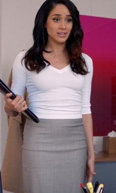 Identify products seen with Rachel Zane (Meghan Markle) including clothes, sunglasses, shoes and more.