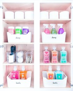 Linen Closet Organization, Bathroom Organisation, Kitchen Organization, Organization Hacks, Organizing, Organize Cleaning Supplies, Cleaning Supply Storage, Cleaning Cabinets, Laundry Supplies