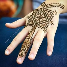 Henna Tattoo Designs Gallery - Wedding Henna Designs for Brides Images collection. this is new collection wedding henna tattoo designs for bride Henna Hand Designs, Mehandi Designs, Mehndi Designs Finger, Wedding Henna Designs, Mehndi Designs For Kids, Arabic Henna Designs, Modern Mehndi Designs, Mehndi Design Photos, Beautiful Henna Designs