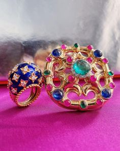 A little vibrant splash of color today with the most spectacular brooch and ring combination! 💙🌈🏆 David Webb, Star Ring, Gold Stars, Color Splash, 18k Gold, Diamond Cuts, Brooch, Rings, Red