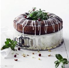 Glögikakku | Kotivinkki Work Meals, Decadent Cakes, Joko, Sweet Bread, Christmas Baking, Beautiful Cakes, Yummy Cakes, Cake Recipes, Food And Drink