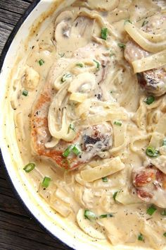 Smothered Pork Chops are super easy to make, and the smell of them cooking will bring your family running to the table!These Smothered Pork Chops are super easy to make, and the smell of them cooking will bring your family running to the table! Pork Chop Recipes, Meat Recipes, Chicken Recipes, Dinner Recipes, Cooking Recipes, Healthy Recipes, Recipes Using Pork Chops, Pork Casserole Recipes, Macaroni And Cheese