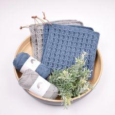 Grytelapper i vaffelmønster fra Hobbii Love Crochet, Knit Crochet, Crochet Potholders, Cotton Lights, Drops Design, Slow Fashion, Pot Holders, Straw Bag, Free Pattern