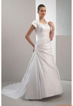 Nackhalter  Schlichte  Preiswerte Brautkleider  aus Satin