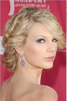 Updo Hairstyle, Taylor Swift