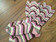 Slouchy Hat, Knitting Socks, Leg Warmers, Mittens, Knitting Patterns, Slippers, Crochet, Hats, Google Search
