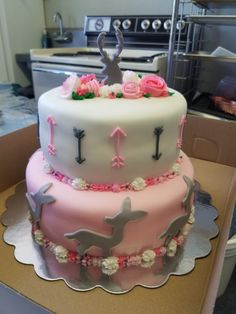 Girl baby shower cake with arrows and deer Fondant