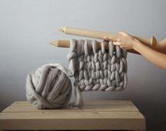 Sculptural Knitted Goods : Anna Mo