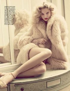 perfecto ymas alla | Magdalena Frackowiak | David Roemer #photography | Vogue Latino America December 2011