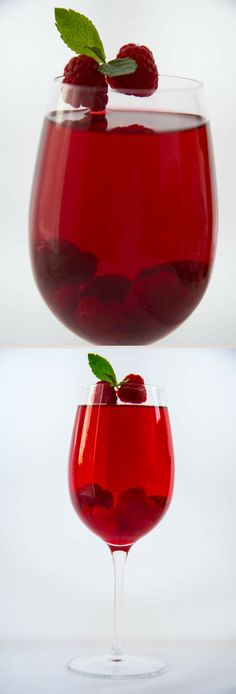 RASPBERRY MINT JUICE Have some raspberries or any fruits in the refrigerator that are freshly looking or those that aren't looking too cheery? Try popping them into a fruit-juicer to make some refreshing drink for yourself.