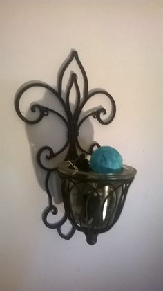 Matching potpourri in these sconces