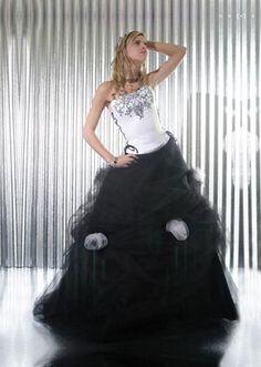 http://www.monyin.com/wp-content/uploads/2010/09/vestido-de-15-a%C3%B1os.jpg