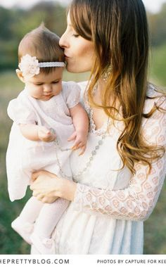 . Outdoor Family Portraits, Outdoor Family Photography, Family Meeting, Young Family, Baby Photos, Flower Girl Dresses, Wedding Dresses, Pretty, Beautiful