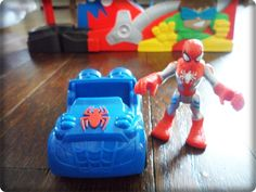 Great gift for kids who love cars & Spider-Man, it even goes upside down!