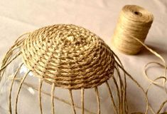 DIY: woven bowl basket - Crafting For Holidays woven bowl basket from twine Spokes and weavers are heavy twine. Edging might be more interesting braided. Wicker basket - (Cool Crafts Ideas) Source by weaving twine to make bowl Jute Crafts, Diy And Crafts, Arts And Crafts, Basket Crafts, Recycled Crafts, Rope Basket, Basket Weaving, Basket Braid, Diy Projects To Try