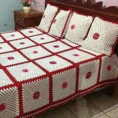 33 Best ideas for crochet granny square dress pattern afghans Crochet Cowl Free Pattern, Crochet Bedspread Pattern, Crotchet Patterns, Crochet Quilt, Granny Square Crochet Pattern, Crochet Home, Crochet Granny, Crochet Blanket Patterns, Baby Knitting Patterns