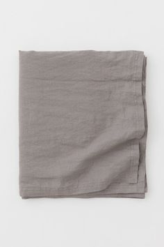 Obrus ze spranego lnu - Szary - HOME | H&M PL Large Tablecloths, Linen Tablecloth, World Of Fashion, Fashion Online, H & M Home, H&m Gifts, Light Turquoise, Fashion Company, Linen Fabric