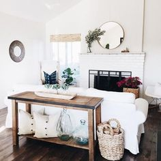 A light and bright airy living room style.