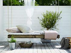DIY / Un lit palette à suspendre, parfait pour les siestes de l'été / | ATELIER RUE VERTE le blog