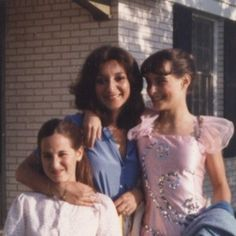 Ten things I wish my mom told me as a teen - It's me, debcb!