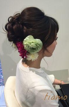 カワイイ花嫁さまのドレスと色打掛に合わせるスタイル♡リハ篇   大人可愛いブライダルヘアメイク『tiamo』の結婚カタログ