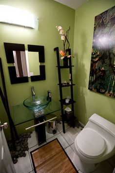 I like the zen look of this small bathroom