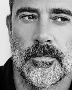 Jeffrey Dean Morgan....OH MY LAWD!!