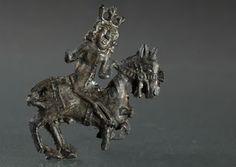 600-year-old insegne Charlemagne trovato a Zurigo dove fondò una chiesa ed era venerato come santo dal XII sec