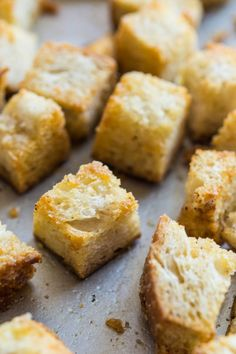 I could snack on croutons all day long! These little wonders from @fifteenspatulas are giving me a serious craving.